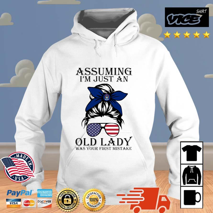 Girl Assuming I'm Just An Old Lady Was Your First Mistake Shirt Vices hoodie trang